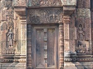 Riqueza de detalhes em Banteay Srei