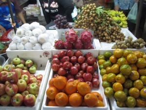 Banca de frutas no Psar Chaar