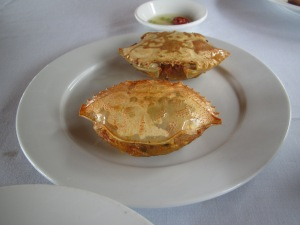 Entrada estilo casquinha de siri no almoço