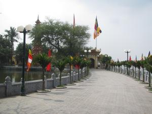 Entrada do templo Tran Quoc