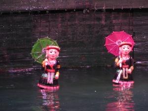 Cena no teatro de marionetes aquáticas