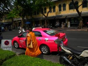 Monge e o táxi rosa choque