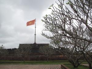 Bandeira do Vietnã na entrada da Cidadela