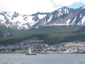 Ushuaia entre o mar e a montanha