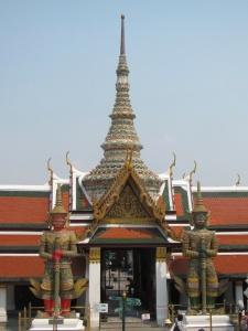 Yakshas guardando um dos portões do Wat Phra Kaew