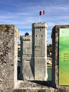 Tour Saint Nicolas vista a partir da Tour de la Chaîne