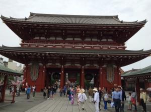 Kaminari-mon, o portão principal do Senso-ji