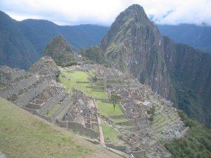 Macchu Picchu: assim de longe nem parece tão cheio